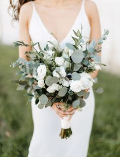This Minimalistic + Modern Cityscape Wedding was Brimming with Greenery + Glam D. This Minimalistic + Modern Cityscape Wedding was Brimming with Greenery + Glam Details - Green Wedding Shoes Simple Wedding Bouquets, Bride Bouquets, Flower Bouquet Wedding, Floral Wedding, Wedding Day, Wedding Greenery, Greenery Bouquets, Modern Wedding Flowers, Simple Weddings