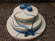 Tort  niebieski kolor maś'e figurki dzieci chrzest Kajetana