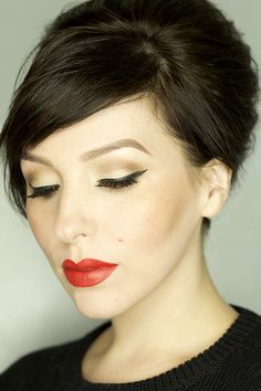 Urban Decay Gwen Stefani Palette - Keiko Lynn Neutral eyes with lots of liner and lashes, and a bold orange-red lip