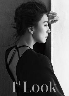 Oh snap! Yoo Ah-in + Kim Hee-ae - pants Kiss And Romance, Lee Bo Young, Choi Jin Hyuk, Bridal Mask, Cut Photo, Yoo Ah In, Joo Won, Korean Wave, Asian Celebrities