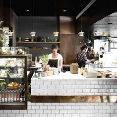 Geweldige bar in Melbourne, zo te maken met de serie Cotswold van Natucer. Café Bar, Cafe Interior Design, Retail Interior, Pastry Shop Interior, Bakery Cafe, Burger Bar, Deco Cafe, Café Restaurant, Healthy Restaurant Design
