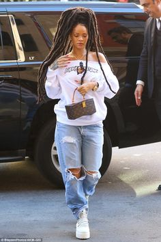 Rihanna rocks new dreadlocks as she goes casual cool in off-the-shoulder sweater and ripped jeans in New York Rihanna Dreadlocks, Dreads, Rihanna Outfits, Edgy Outfits, Fashion Outfits, Sneakers Fashion, Looks Rihanna, Rihanna Style, Baggy