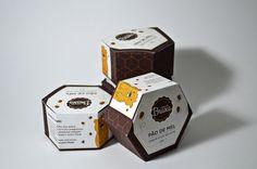 """Desenvolvimento de embalagem para o produto """"pão de mel"""". Trabalho Acadêmico."""