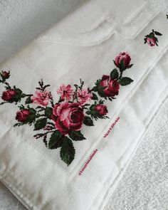 1 million+ Stunning Free Images to Use Anywhere Cross Stitch Rose, Cross Stitch Borders, Cross Stitch Flowers, Cross Stitch Patterns, Chandelier Wedding Decor, Free To Use Images, Bargello, Blackwork, Embroidery Designs