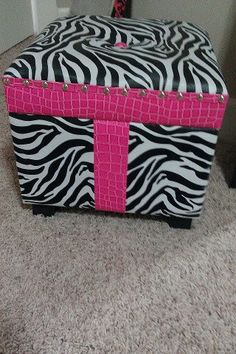 Zebra Storage Trunk (opens)