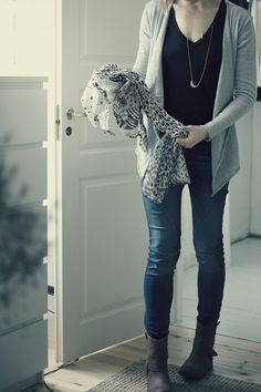 holey cardigan / please jeans