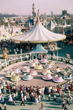 These Retro Disneyland GIFs Will Make Your Heart So Happy