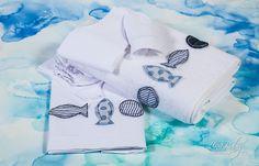 Λαδόπανο σε λευκό και εκρού χρώμα, με διακόσμηση από απλικέ ψαράκια, annassecret, Χειροποιητες μπομπονιερες γαμου, Χειροποιητες μπομπονιερες βαπτισης