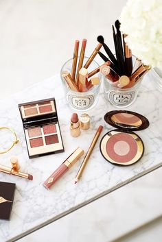 Charlotte Tilbury Pillow Talk Luxury Palette of Pops Lip Lustre – The Beauty Look Book - pillow New Eyeshadow Palettes, Shimmer Eyeshadow, Cream Eyeshadow, Lush Lipstick, Lipstick Colors, Lip Colors, Beauty Products You Need, Best Makeup Products, Charlotte Tilbury Lipstick