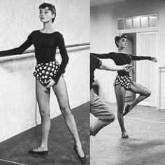Audrey Hepburn... Tendu/Passé  Work it Audrey! Always fashionable! :)