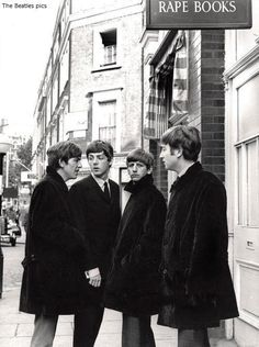 George Harrison, Paul McCartney, Richard Starkey, and John Lennon (Rare books. Ringo Starr, George Harrison, Paul Mccartney, Les Beatles, John Lennon Beatles, Beatles Band, Beatles Guitar, Great Bands, Classic Rock