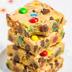 M&M'S Chocolate Chip Cookie Bars - Averie Cooks