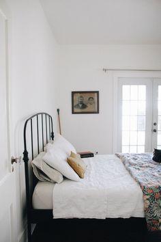 art deco home Home Bedroom, Bedroom Decor, Bedroom Ideas, Master Bedroom, Wall Decor, Decor Inspiration, Bedroom Inspiration, Decor Ideas, Bed Linen Design