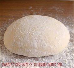 Impasto per pizza con farina manitoba a lunga lievitazione con pochissimo lievito: per una perfetta digeribilità e una pizza soffice e croccante.