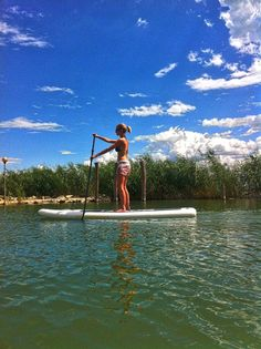 After finding her way out of the reeds on Lake Trasimeno, Origin Paddleboards CSR advisor shows us she really can paddle the inflatable 10'6 Core SUP.