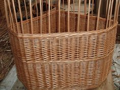 After the wale, the basket is now ready to be bordered down. Corner Storage, Storage Baskets, Wicker Baskets, Craftsman, Handmade, Home Decor, Artisan, Hand Made, Decoration Home
