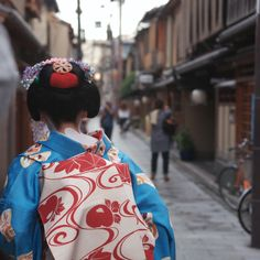 Light blue kimono /Japan/ (byk@zu)