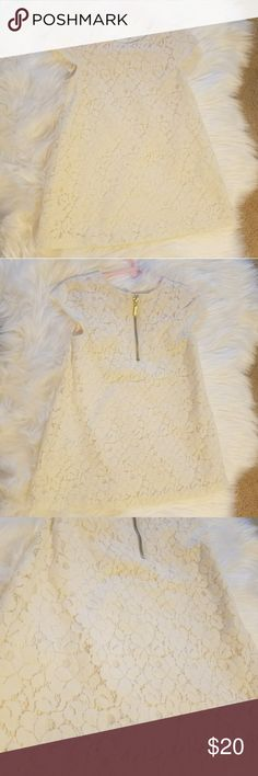 H&M 1.5-2y Beautiful H&M cream colored lace floral dress. My daughter wore once for a photo shoot. 1.5-2Y. Gold zipper in back H&M Dresses Formal