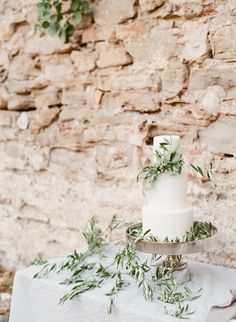White Wedding Cake Olives Branches Anthique Greek Inspiration Table Scape