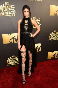 Kendall Jenner | Every Look From the Red Carpet at the 2016 MTV Movie Awards