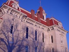 Re-View restored the wood windows at the Chase County Courthouse, which is the oldest functional courthouse in the State of Kansas. State Of Kansas, Wood Windows, Restoration, Old Things, Spaces, Building, Travel, Wooden Window Boxes, Viajes