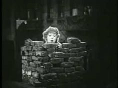 Little Annie Rooney - Trailer (1925) Here's the famous fight scene in the alley, plus some others mentioned in my story. Can you believe Mary Pickford is 33 years old? She plays a 12-year-old in this movie.