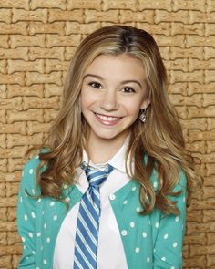 """G Hannelius stars as Avery on the disney show """"Dog With A Blog"""""""
