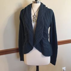 Open front shawl neckline cardigan sweater top 100% acrylic The Limited Sweaters Cardigans