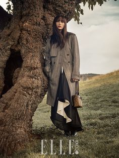 Mysterious Lee Na Young In South France For December Elle Outdoor Fashion Photography, Fashion Photography Inspiration, Autumn Photography, Photoshoot Inspiration, Editorial Photography, Portrait Photography, Fashion Shoot, Editorial Fashion, Trent Coat