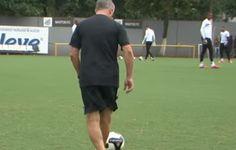 BLOG: Dorival Júnior mostra habilidade em treinamento do Santos; veja vídeo  http://santosjogafutebolarte.comunidades.net/seu-placar-de-santos-x-mogi-mirim