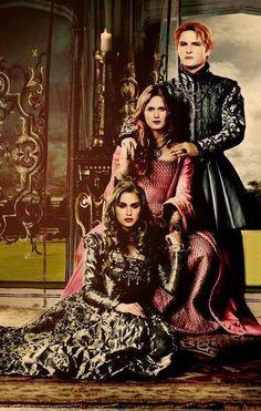 Rose, Esme, and Carlisle- i love the colors