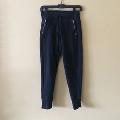 American eagle joggers Black American eagle joggers with drawstring waist and zipper pockets. Size xs. Gently used. American Eagle Outfitters Pants Track Pants & Joggers