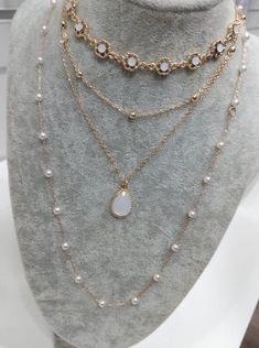 Kit Lili: Dourado Jewelery, Jewelry Necklaces, Gold Necklace, Bracelets, Layered Jewelry, Necklace Lengths, Piercing, Chokers, Basket
