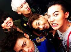Bức hình hot nhất hôm nay: Khi 5 bà mẹ quyền lực của 5 thành viên Big Bang đình đám châu Á cùng tụ họp - Ảnh 2.