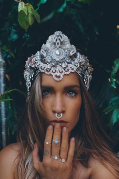 Whether you plan to rule over Atlantis, or just the neighborhood pool, these crowns by artist Chelsea Shiels will complete your water-based royalty ensemble.