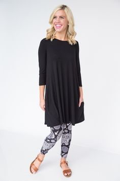 Black 3/4 Swing Solid Modal Tunic