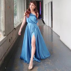 Filipina Actress, Rose Crown, Uzzlang Girl, Girl Dancing, Celebs, Celebrities, Formal Gowns, Fashion Outfits, Womens Fashion
