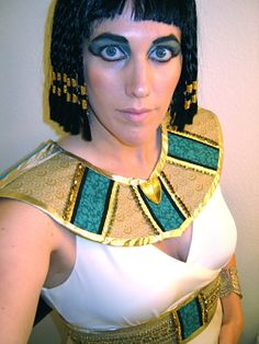 HOW TO BE THE BEST CLEOPATRA: DIY Cleoparta Halloween costume belt and collar tutorial
