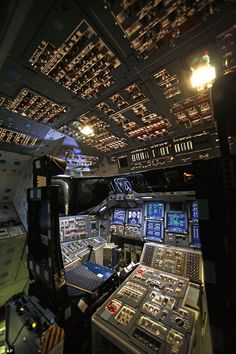 Endaevour flight deck