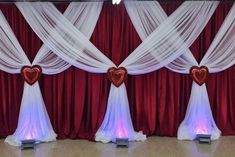 Love is in the air Curtain Backdrop Wedding, Wedding Backdrop Design, Wedding Reception Backdrop, Church Altar Decorations, Blue Wedding Decorations, Backdrop Decorations, Balloon Decorations, Cocktail Table Decor, Decoration Evenementielle