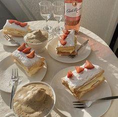 Think Food, I Love Food, Good Food, Yummy Food, Cute Desserts, Dessert Recipes, Dessert Food, Wine O Clock, Cafe Food