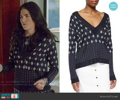 Laurel's mixed print v-neck sweater on How to Get Away with Murder.  Outfit Details: http://wornontv.net/52068/ #HTGAWM