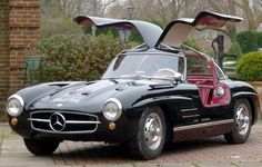 Gullwing achieves H auction record of $672,000