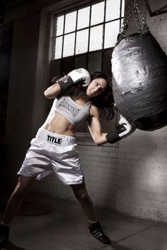 Few more days and i can box again. I miss boxing.