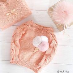 Alexandra grishina on Crochet T Shirts, Crochet Baby Clothes, Knit Crochet, Knitting Baby Girl, Knitting For Kids, Baby Girl Patterns, Baby Knitting Patterns, Pull Bebe, Knit Baby Sweaters