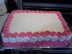 Cake con rosas alrededor