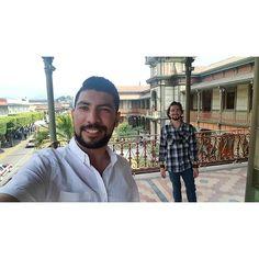 El mejor anfitrión del mundo mundial y principal promotor turístico de #Veracruz sin ser un Duarte. #tb #ElPalacioDeHierro #Orizaba #selfie #friends #picoftheday