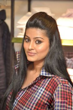 South Indian actress Sneha best photo and wallpaper gallery. Best hd image gallery of Sneha. South Actress, South Indian Actress, Hot Actresses, Indian Actresses, Sneha Actress, Indian Heritage, India Beauty, New Look, Beautiful Women