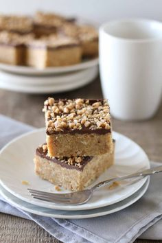 Looking for an easy bar recipe? These Skor Squares have only 4 ingredients and are perfect for lovers of salty and sweet. It doesn't get easier than this!