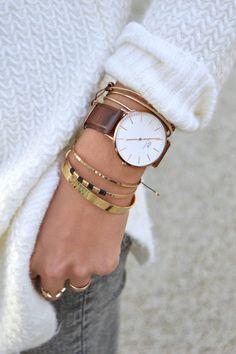 maybe pop of leather? like the layering - daniel wellington femme femme tendance hommes Daniel Wellington Watch Women, Trendy Watches, Cheap Watches, Women's Watches, Male Watches, Ladies Watches, Wrist Watches, Watches Online, Bracelets